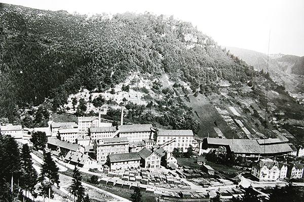 ユンハンスの工場を写した1903年の写真