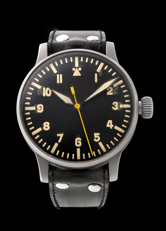 ヴェンペが製造した当時の空軍パイロット向け腕時計